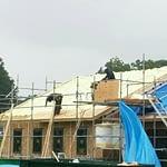 屋根断熱施工中(中庭と土間の有る平屋)