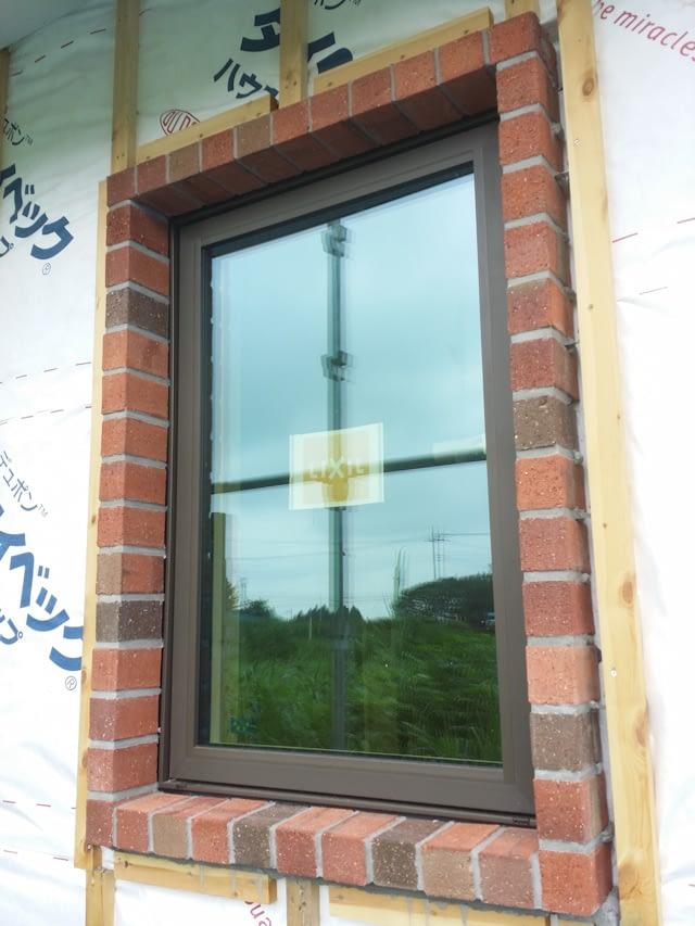 煉瓦積み窓周り