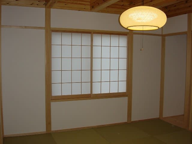シンプルな和室。琉球畳