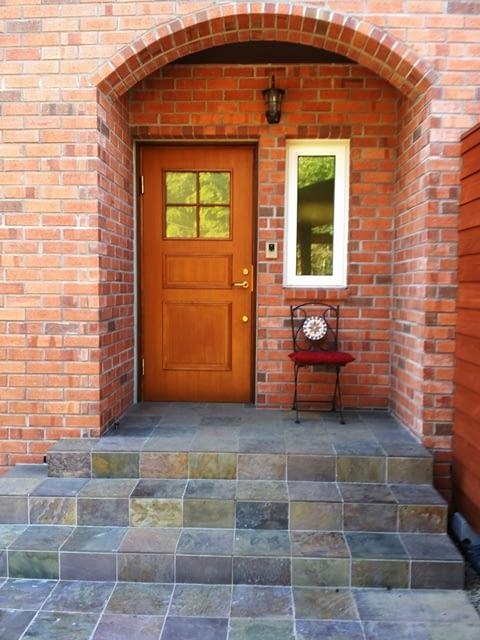 煉瓦の家 玄関