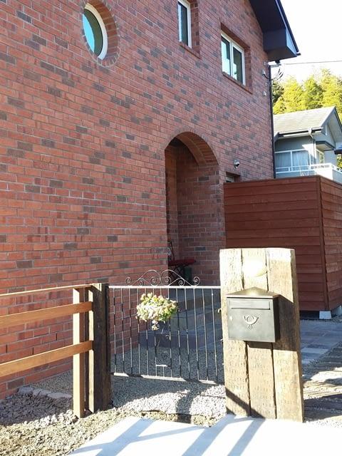 煉瓦の家外構 門扉